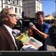 Dialogues entre candidats : Evelyne Parisi et Jean Rouger discutent avec Pierre Maudoux le samedi 8 mars 2013 au marché.