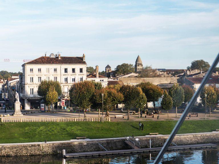 Charente à Saintes