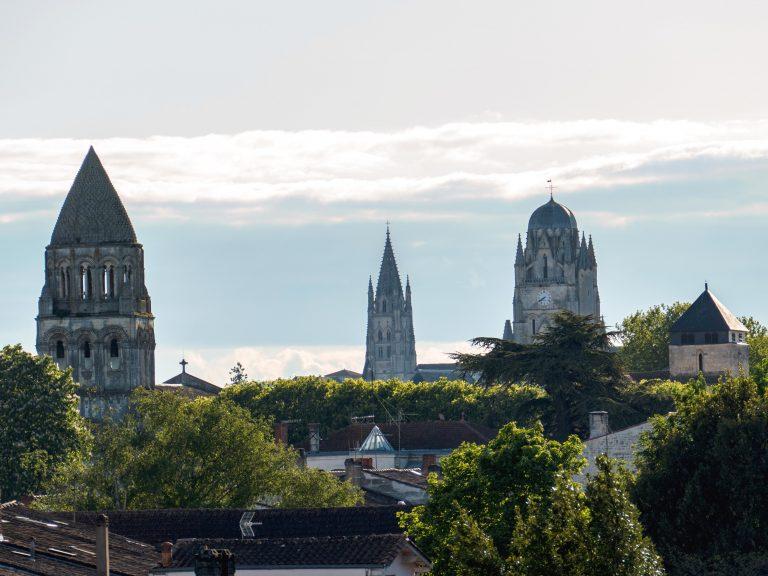 Les clochers saintais